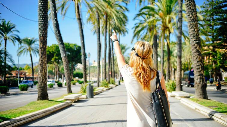 Travel Blogger 1