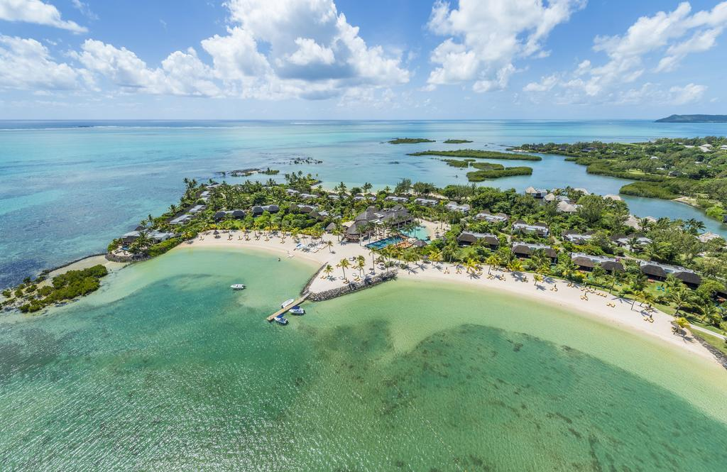 Four Seasons Resort is one of the best 5 star hotels in Mauritius