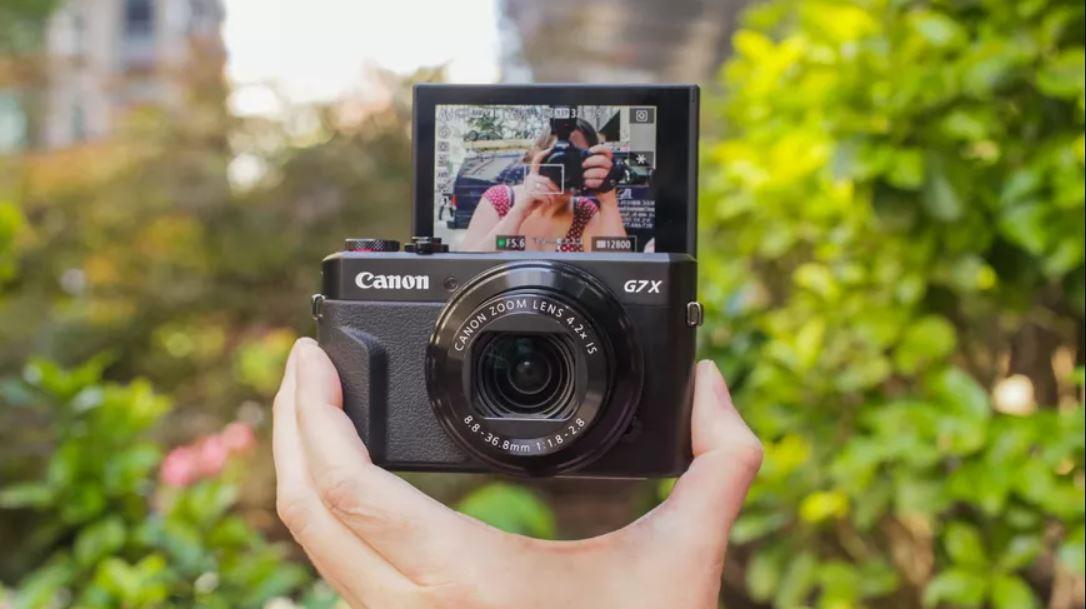 Canon-Powershot-G7X-vloggin-camera